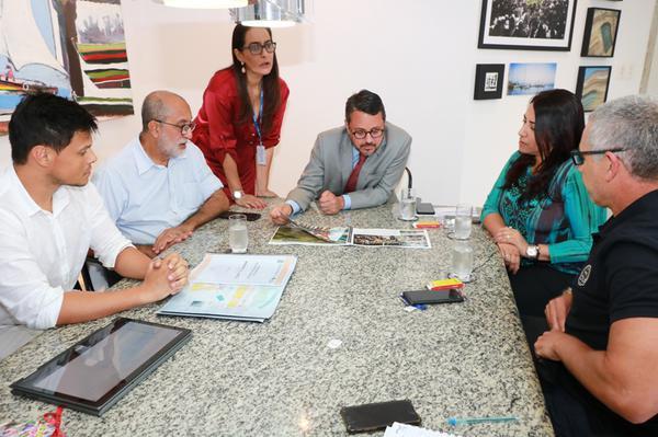Representantes da Brasil Ride e da Prefeitura de Porto Seguro na SETUR (Tatiana Azeviche / SETUR)
