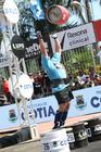 Mikhail arremessa barril com mais de 26 kg (Rodrigo Dod / Savaget)