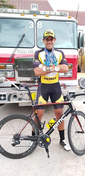 Ben-Hur exibe medalhas conquistadas em 2019 nos EUA