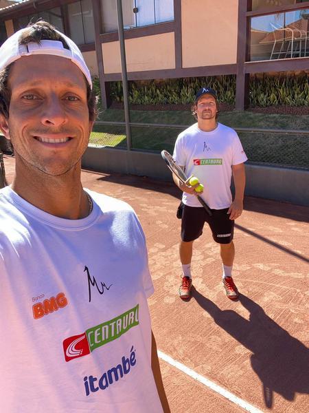 Marcelo está treinando em Belo Horizonte com o irmão e técnico Daniel
