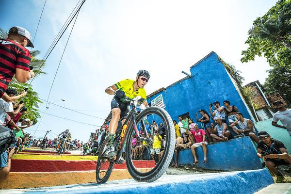 Prólogo da Brasil Ride em Arraial d'Ajuda (Josue Fernandez / Brasil Ride)