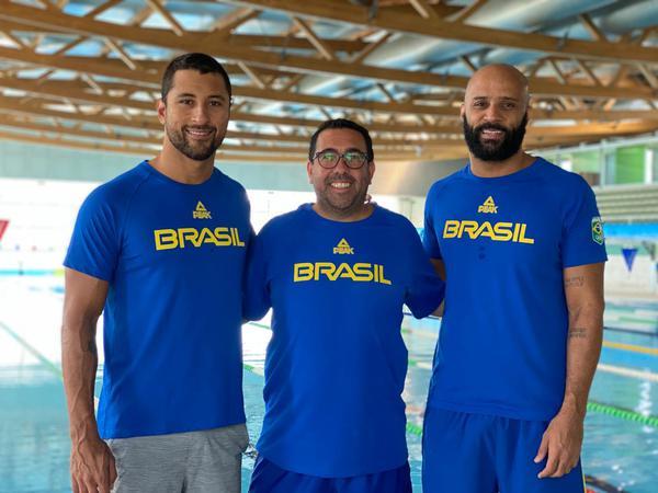 Felipe Lima, Tiago Moreno e João Gomes Jr. em Portugal