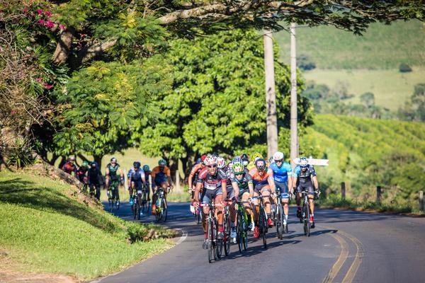 Ciclistas durante a prova (Fabio Piva / Brasil Ride)