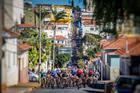 Ciclistas saindo de Botucatu (Fabio Piva / Brasil Ride)