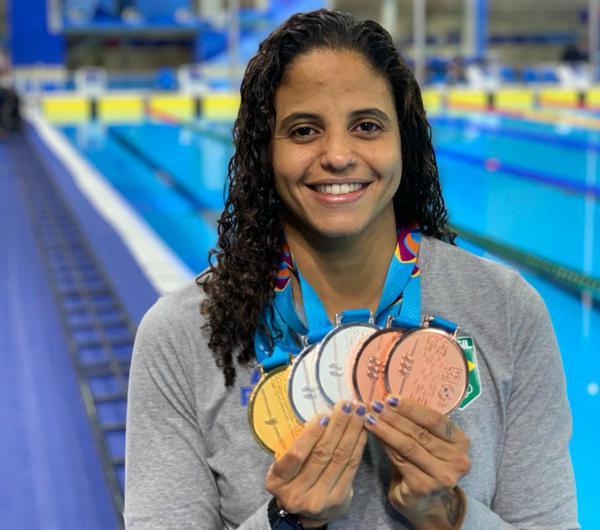 Etiene exibe 5 medalhas do Pan de Lima/2019