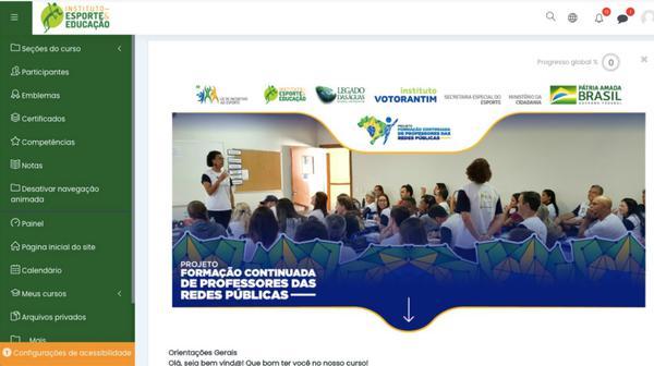 Curso à distância capacitou 700 professores de 11 cidades