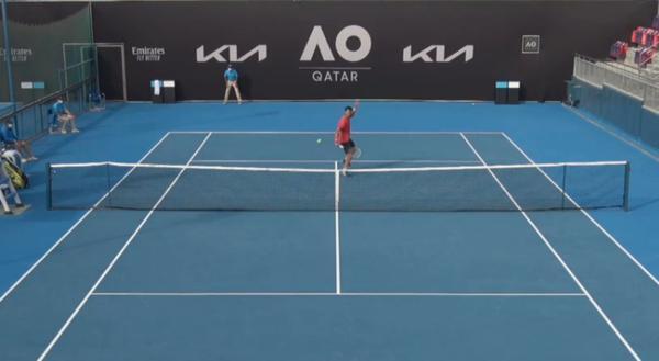 Menezes iniciou a temporada em Doha, no quali do Australian Open