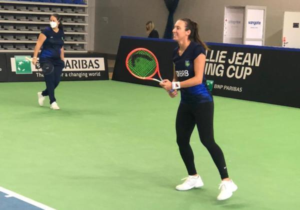 Luisa treina na Polônia