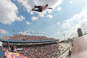 "Bob Burnquist ""voando"""
