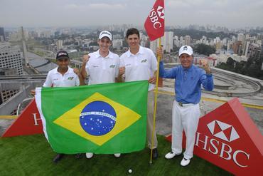 Pose com a bandeira do Brasil