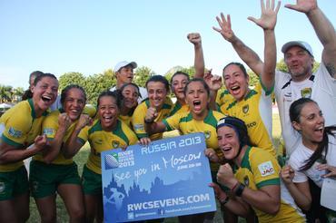 Tupis female team