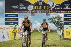 Tiago Ferreira (esq.) em etapa vencida pelo português em 2016 (Igor Schifris / Brasil Ride)
