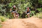 Avancini e Jiri com os italianos colados (Fabio Piva / Brasil Ride)