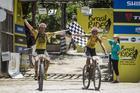 Henrique Avancini e Jiri Novak comemoram vitória (Fabio Piva / Brasil Ride)