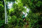 Atleta passa por trilha técnica (Ney Evangelista / Brasil Ride)