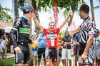 Alegria do vencedor da sexta etapa (Fabio Piva / Brasil Ride)